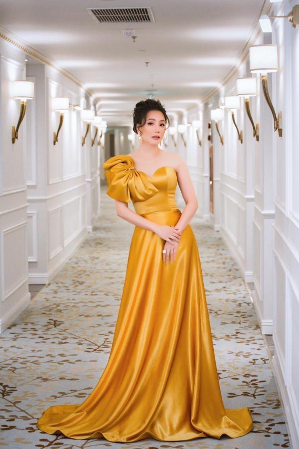 Ngọc Trinh hóa chủ tịch - Minh Hằng lên đồ như nữ điệp viên-5