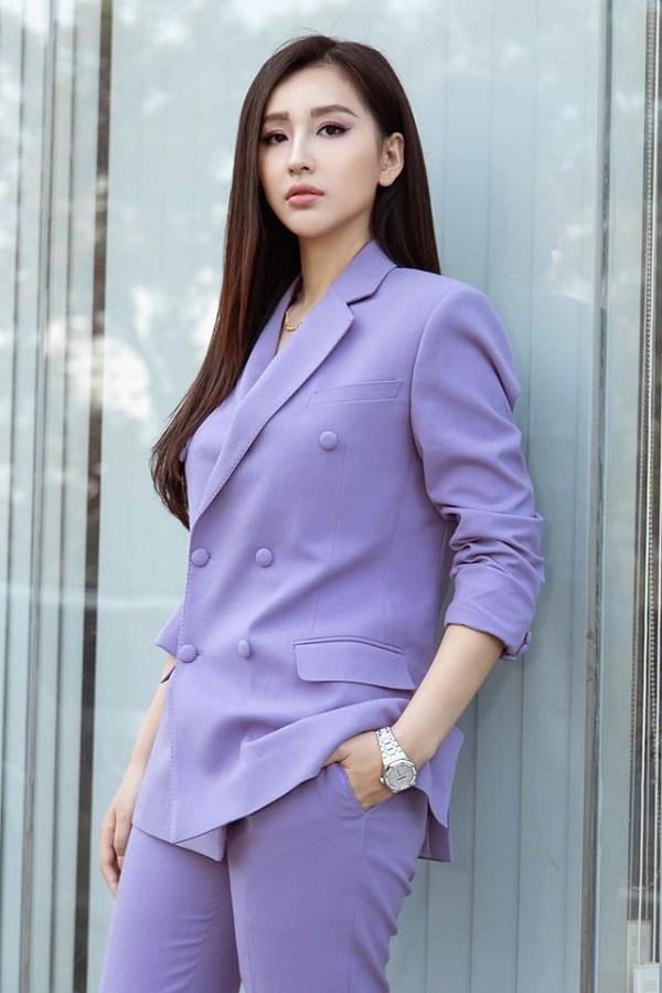 Ngọc Trinh hóa chủ tịch - Minh Hằng lên đồ như nữ điệp viên-4