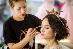 Cô gái đặt make up nhưng lươn lẹo là đi đám cưới người yêu cũ để đỡ phải trả phí cao