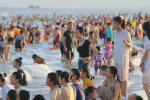 5 bãi biển cát đen huyền bí trên thế giới-6