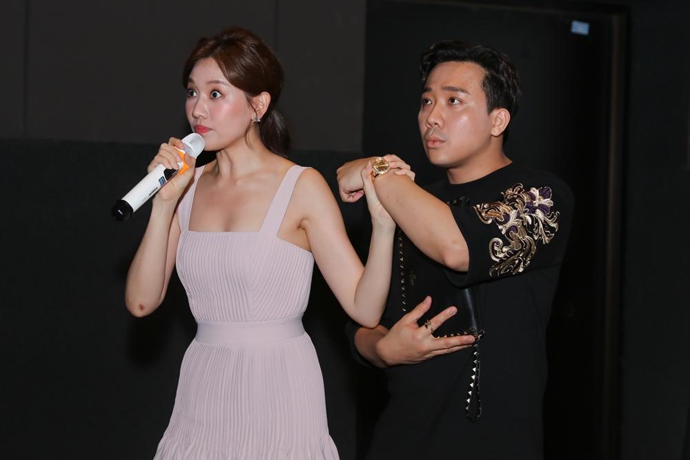 Trấn Thành bị nghi mang đồng hồ đôi với Tuấn Trần, Hari Won lập tức lên tiếng-5