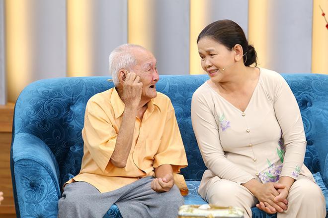 Cụ ông 96 tuổi trải qua 3 cuộc hôn nhân đổ vỡ vẫn cưới thêm bà tư kém 3 giáp, 76 tuổi đưa vợ đi đẻ-4