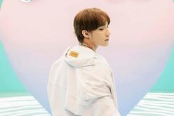 Gần ngày comeback, Sơn Tùng M-TP xóa hàng loạt ảnh Instagram, MV 'Không phải dạng vừa đâu' biến mất bí ẩn trên Youtube