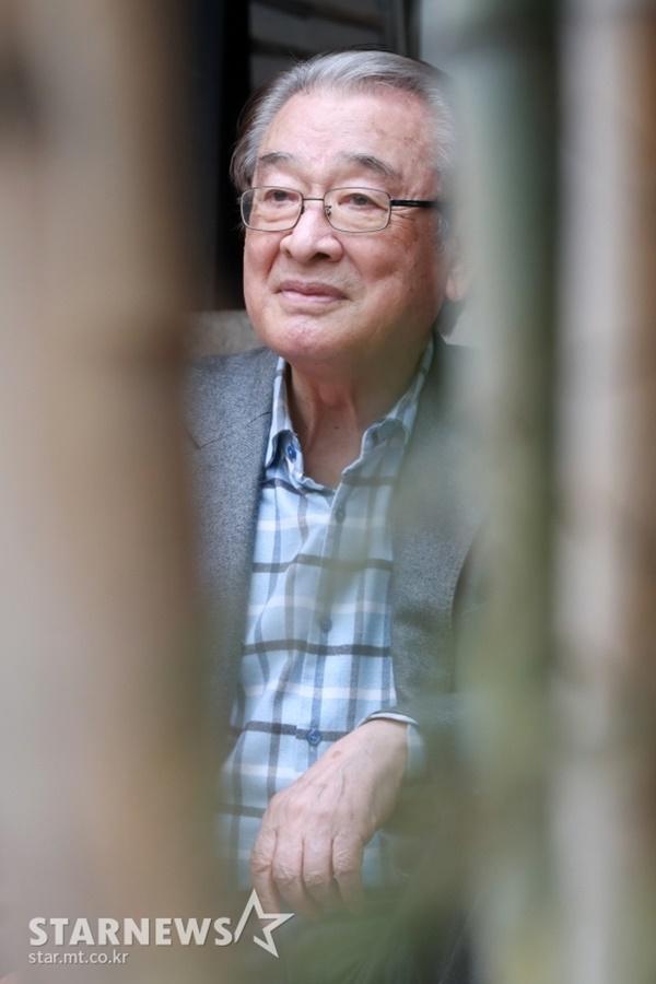 Ông nội quốc dân Lee Soon Jae: Từ tin đồn mê tín dị đoan truyền bá tà giáo cho tới việc bị tố ngược đãi người làm-10