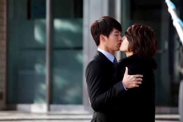 Nụ hôn đồng giới của Hyun Bin và cuộc thay đổi lịch sử của phim Hàn-5
