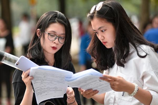 Bắt đầu từ 1/7/2020, học sinh tiểu học không phải đóng học phí-1