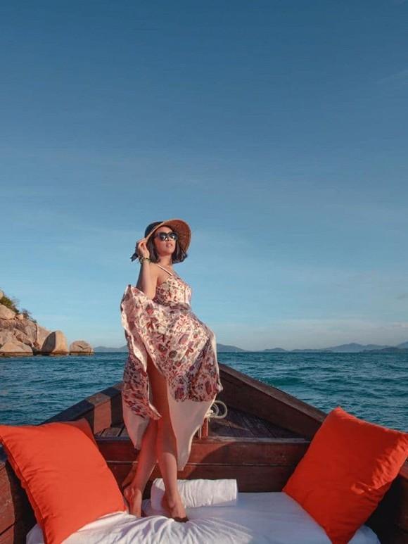 Hoa hậu Ngọc Hân được khen nức nở khi hiếm hoi đăng ảnh bán nude-5