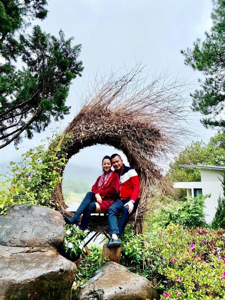 Vợ chồng Jennifer Phạm đu đưa Đà Lạt, nhìn chẳng khác nào thuở mới yêu-7