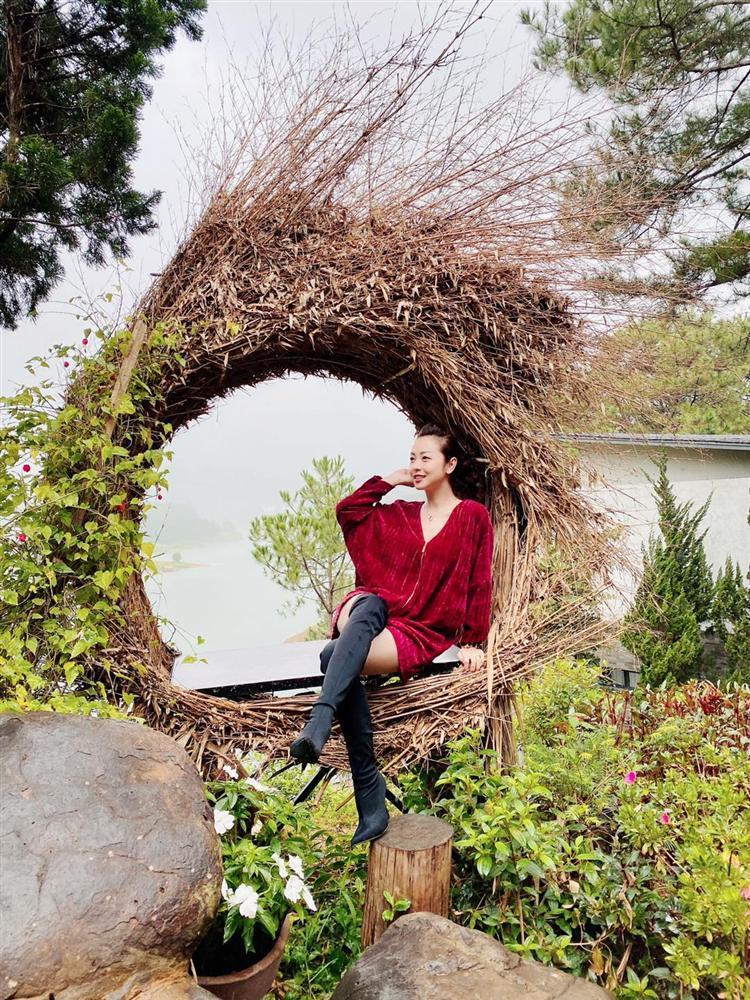 Vợ chồng Jennifer Phạm đu đưa Đà Lạt, nhìn chẳng khác nào thuở mới yêu-8