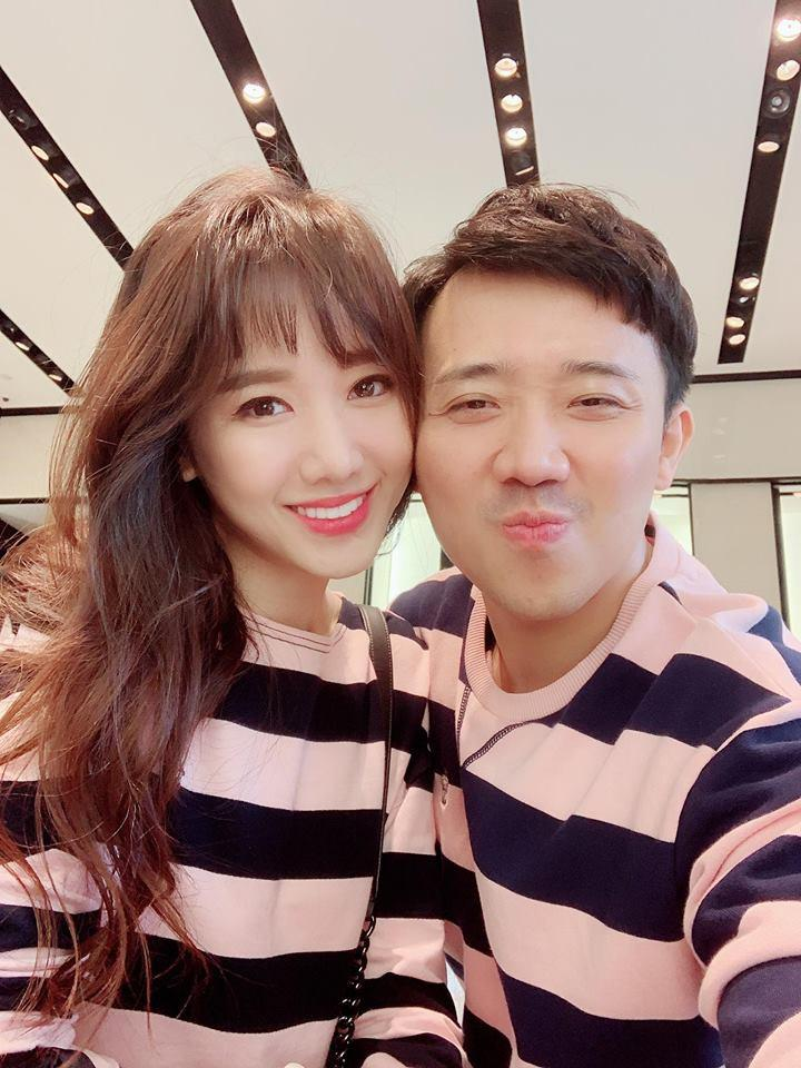 Trấn Thành - Hari Won gây tranh cãi khi liên tục hôn nhau chốn đông người-8