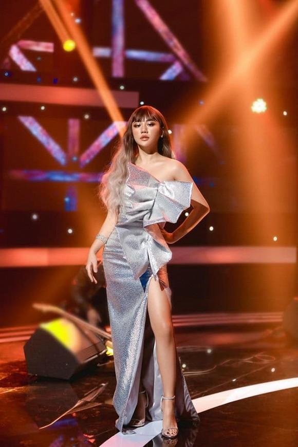 Văn Mai Hương gây tranh cãi vì gu thời trang tại Người ấy là ai-4