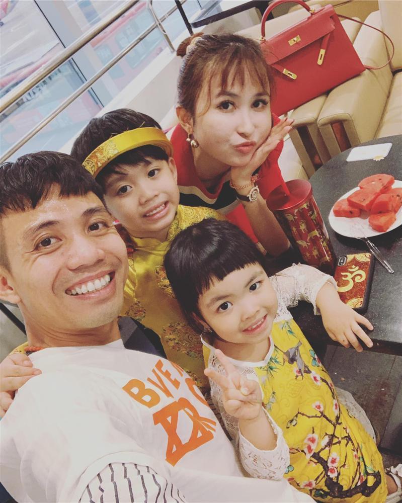 Minh Nhựa tổ chức tiệc kỷ niệm 8 năm cầu hôn Mina Phạm, quà tặng vợ nhìn là xỉu-5