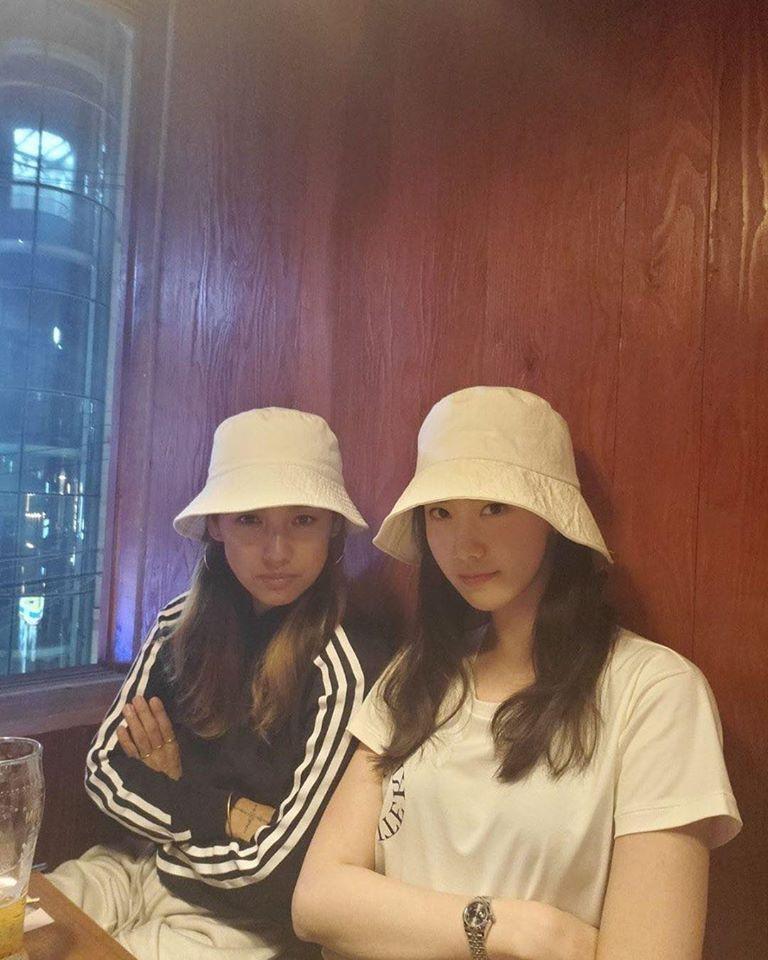SNSD Yoona và Lee Hyori phải xin lỗi vì đi karaoke giữa dịch Covid-19-1