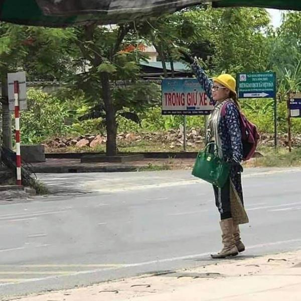Hotgirl Bella có mặt tại Quảng Ninh, đồ đạc lỉnh kỉnh nhưng không đi cùng con trai-1