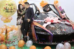 Ông chồng hot MXH hôm nay: Tặng vợ siêu xe 50 tỷ thuộc hàng mới trên thế giới, chi tiết biển số mới ngưỡng mộ