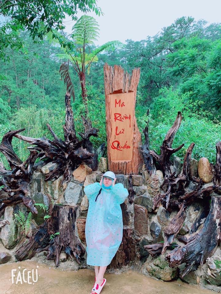 Trend áo mưa của giới trẻ khi ham hố đi du lịch Đà Lạt đúng mùa mưa bão-5