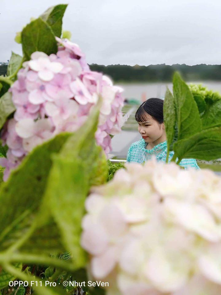 Trend áo mưa của giới trẻ khi ham hố đi du lịch Đà Lạt đúng mùa mưa bão-8