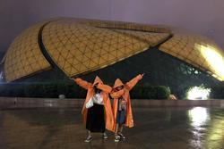 'Trend áo mưa' của giới trẻ khi ham hố đi du lịch Đà Lạt đúng mùa mưa bão