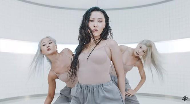 Top 3 MV idol nữ có trang phục đẹp nhất nửa đầu năm 2020 gọi tên BLACKPINK, còn ai nữa?-1