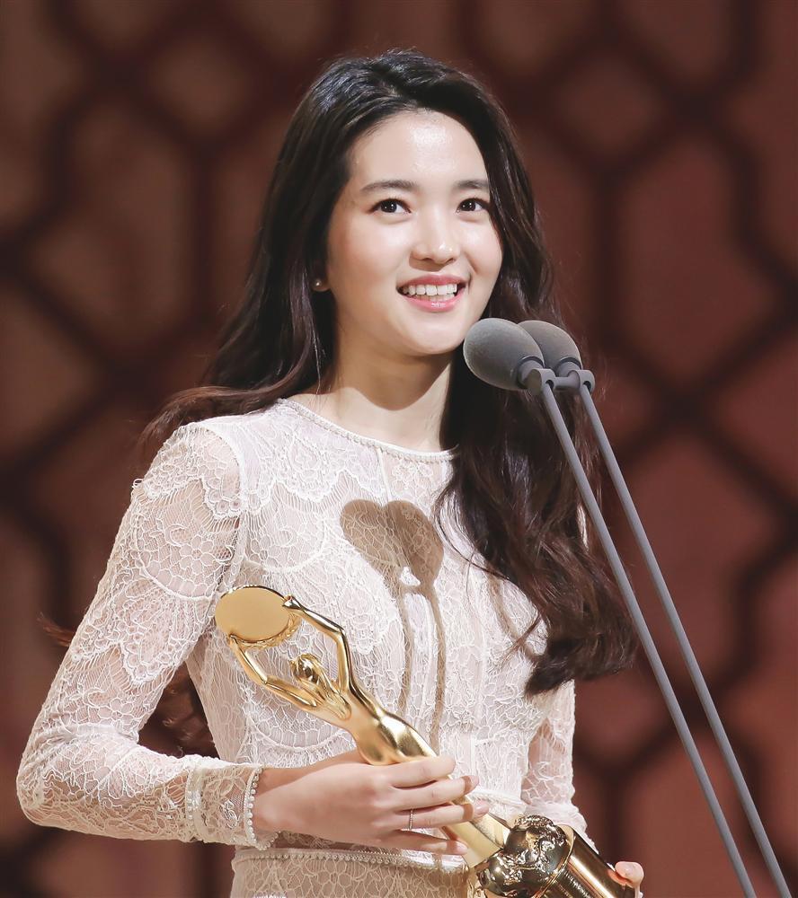 Seo Ye Ji, Yoo In Na và những đóa hoa nở muộn của màn ảnh Hàn-8