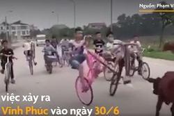 Clip: Kinh hãi nhìn nhóm thiếu niên đi xe đạp dàn hàng, bốc đầu như diễn xiếc