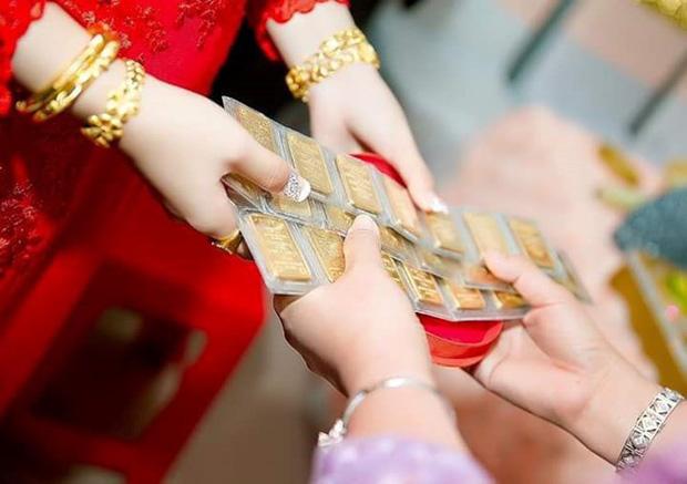 Đêm tân hôn chị chồng xúi bố mẹ đừng để nó giữ vàng và pha xử lý đi vào lòng người củng cố vị trí nàng dâu-1
