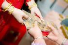 Đêm tân hôn chị chồng xúi bố mẹ 'đừng để nó giữ vàng' và pha xử lý 'đi vào lòng người' củng cố vị trí nàng dâu