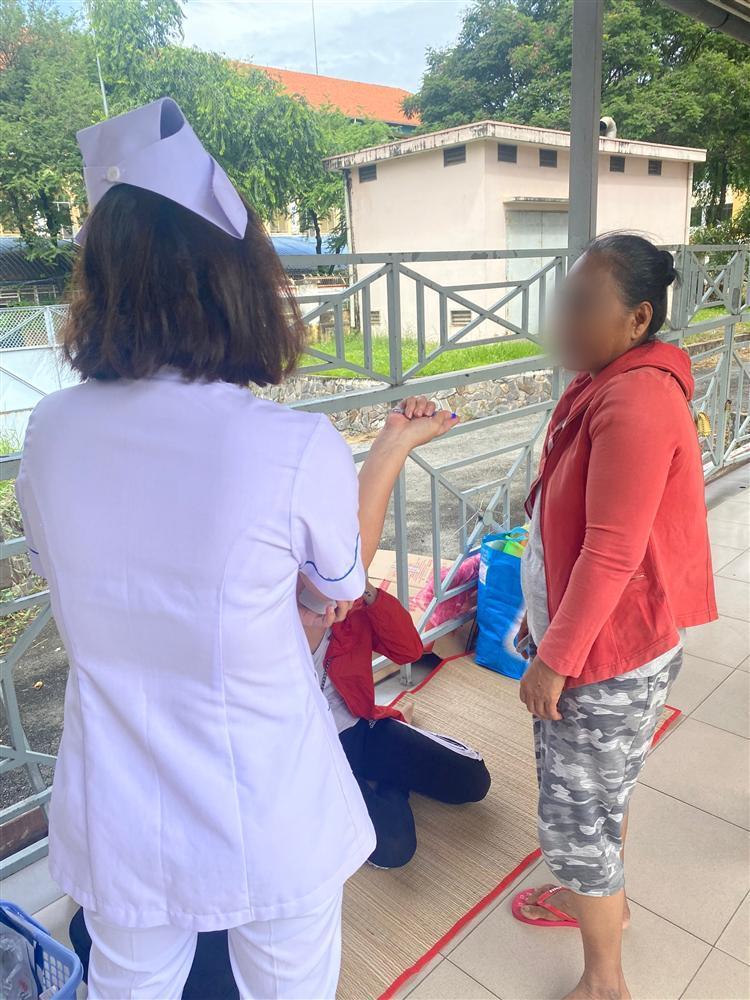Đau xót lời kể bà ngoại bé trai 9 tuổi nghi bị mẹ ruột dùng kéo đâm thủng tim ở TP.HCM-7
