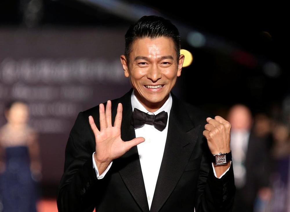 4 diễn viên TVB xuất thân bần hàn trước khi sở hữu khối tài sản nghìn tỷ-1