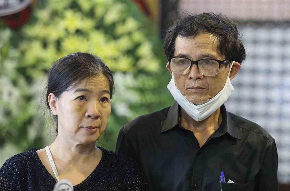 Bố mẹ cố diễn viên Mai Phương bị tố hành gia đình Phùng Ngọc Huy lên bờ xuống ruộng-1