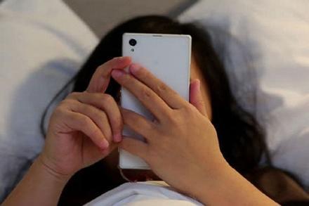 Đáng sợ nhất trên đời là chiếc điện thoại của chồng!