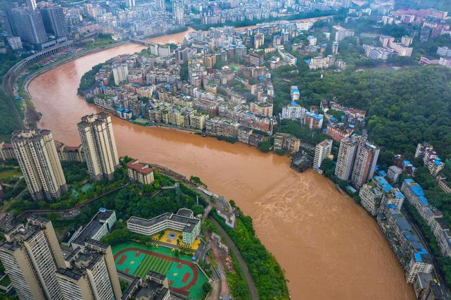 Những hình ảnh đáng sợ về cơn đại hồng thủy miền Nam Trung Quốc gây ra bởi những cơn mưa dai dẳng kéo dài hơn 30 ngày-1