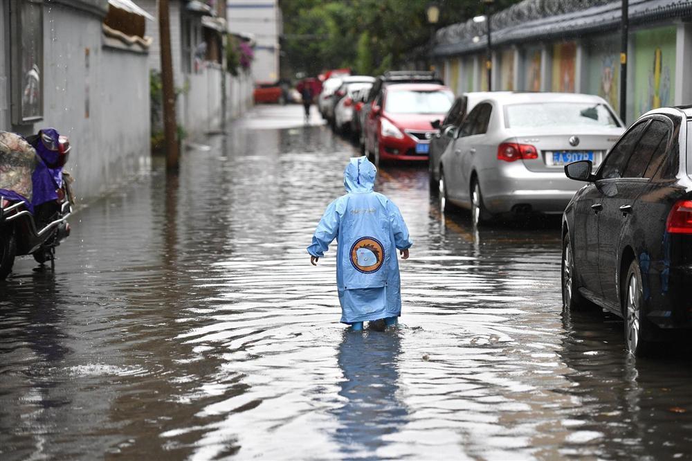 Những hình ảnh đáng sợ về cơn đại hồng thủy miền Nam Trung Quốc gây ra bởi những cơn mưa dai dẳng kéo dài hơn 30 ngày-11