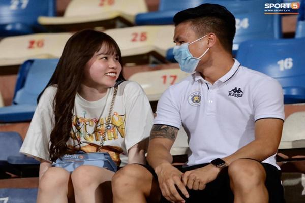 Huỳnh Anh theo dõi lại Instagram Quang Hải, tiếp tục chứng minh không bỏ rơi bạn trai sau ồn ào