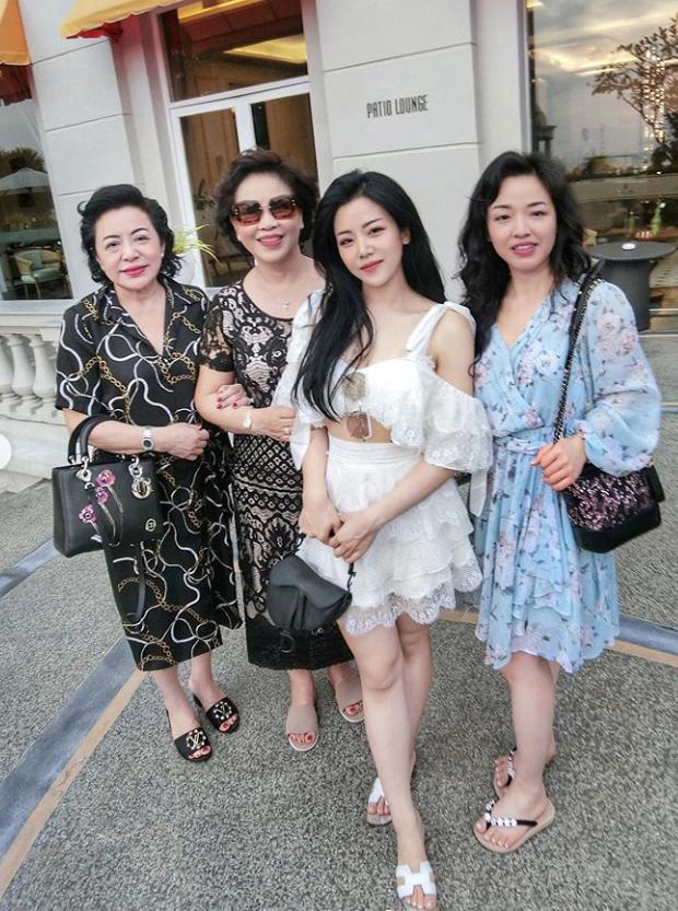Hé lộ loạt ảnh hiếm hoi về chị ruột xinh đẹp của Ông Cao Thắng-3