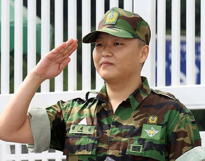 Bi Rain, Psy và loạt sao Hàn từng phạm những điều cấm kỵ khi nhập ngũ-7