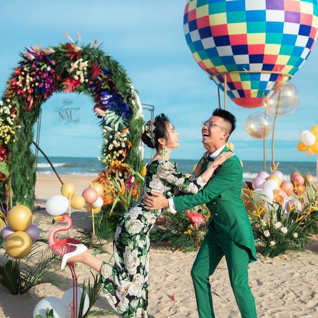 Khoe ảnh tình tứ bên vợ 2 Mina, Minh Nhựa gây sốc tự nhận chồng không có nhiều tiền mua nhà, xe tặng vợ-3
