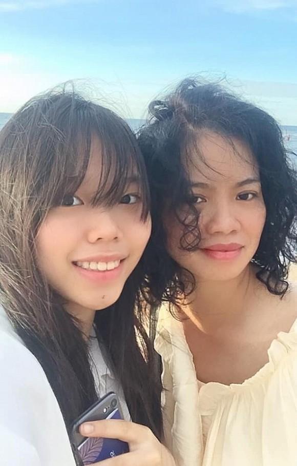 15 tuổi, con gái út của cố nhạc sĩ Trần Lập xinh đẹp phổng phao, ra dáng thiếu nữ-2