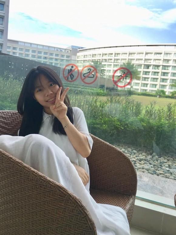 15 tuổi, con gái út của cố nhạc sĩ Trần Lập xinh đẹp phổng phao, ra dáng thiếu nữ-4