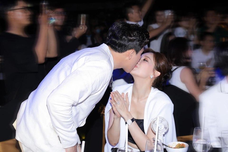 Hari Won hé lộ tâm nguyện về già: Được hôn Trấn Thành bất kỳ nơi đâu-3