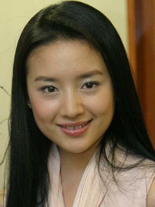 Vương Phi - Đổng Khiết của 14 năm trước: Thiên hậu không kém sắc ngọc nữ-5