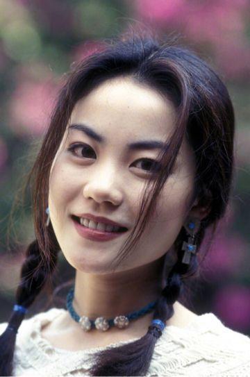 Vương Phi - Đổng Khiết của 14 năm trước: Thiên hậu không kém sắc ngọc nữ-8