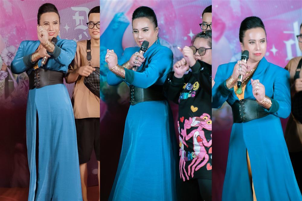Cô Minh Hiếu rũ bỏ sến súa, mặc corset đi đường quyền bên dàn mỹ nam lực lưỡng-6