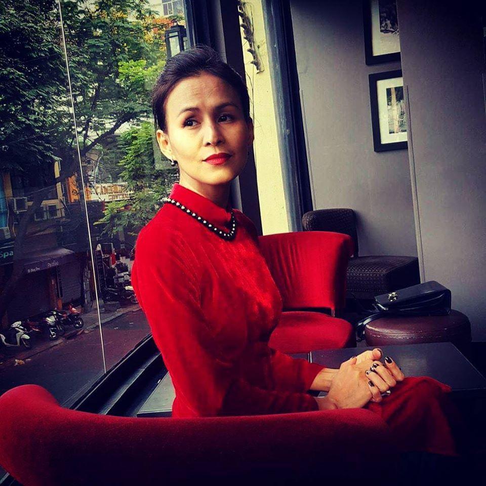 Vợ mới và tình cũ Huy Khánh: Người sống bình yên, kẻ thích ồn ào-4