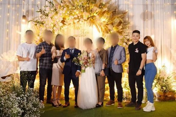 Đi đám cưới, Khởi My diện đồ giản dị trong khi Kelvin Khánh lộ thân hình phát tướng-1