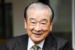 'Ông nội quốc dân' Lee Soon Jae thừa nhận ngược đãi quản lý