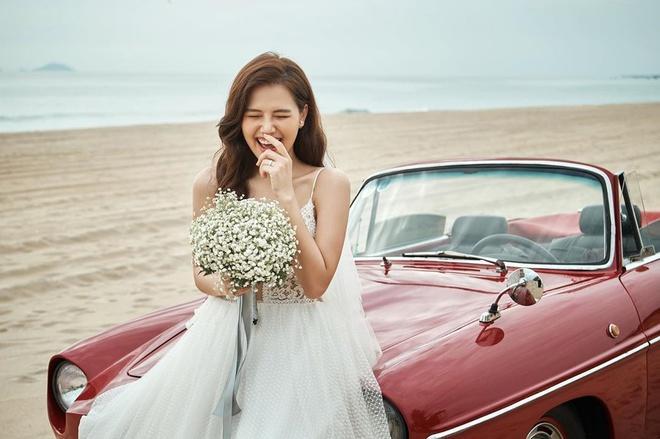 Dàn phù dâu toàn hot girl đời đầu trong lễ cưới Phanh Lee-1