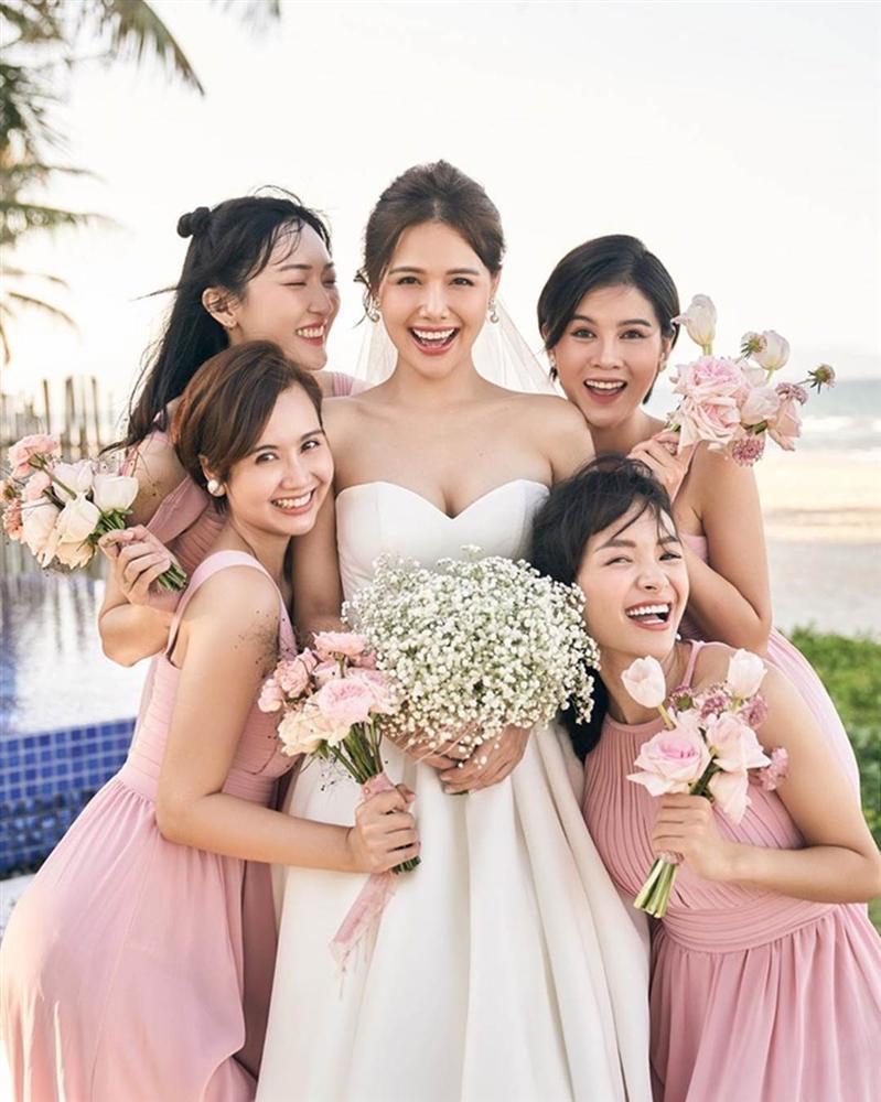 Dàn phù dâu toàn hot girl đời đầu trong lễ cưới Phanh Lee-4