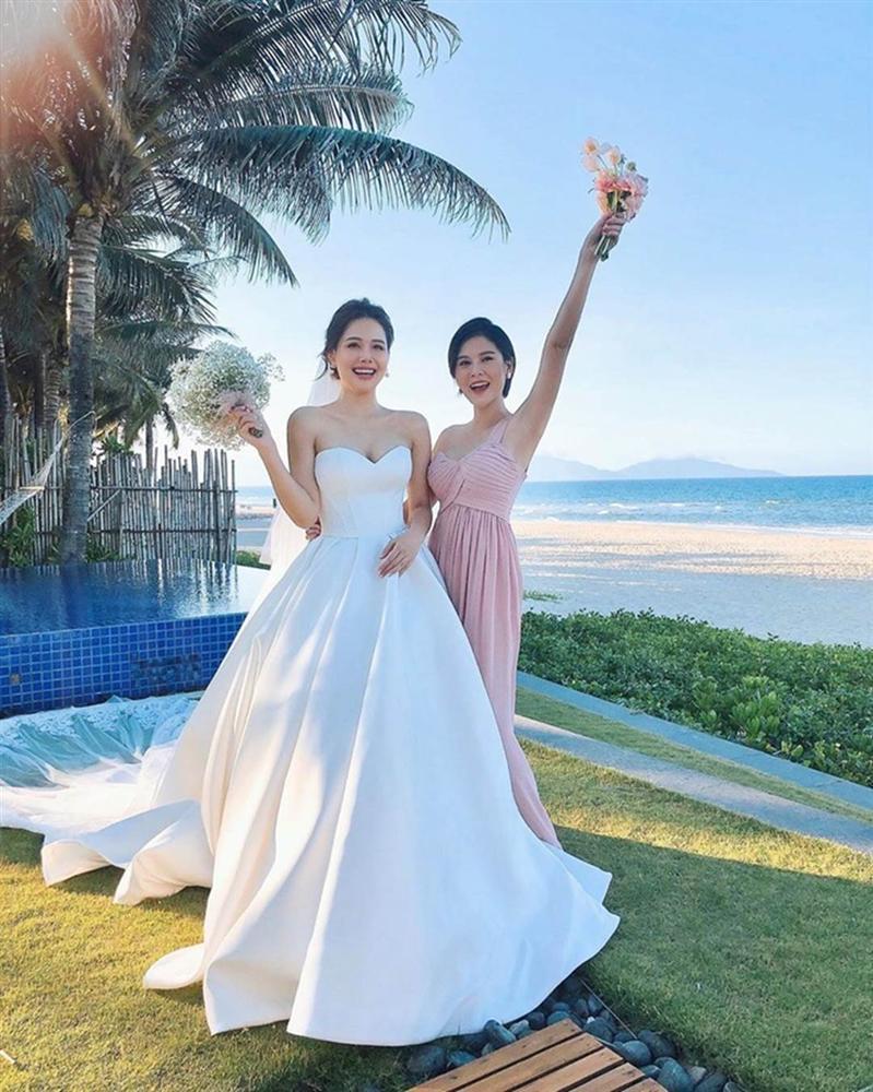 Dàn phù dâu toàn hot girl đời đầu trong lễ cưới Phanh Lee-7