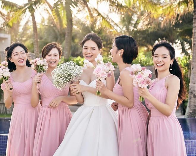 Dàn phù dâu toàn hot girl đời đầu trong lễ cưới Phanh Lee-8